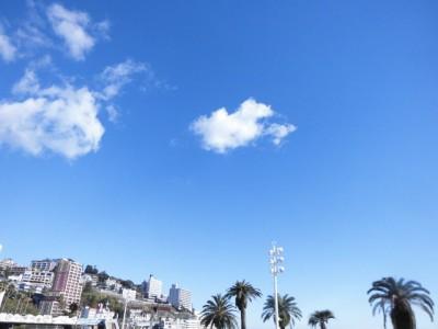 アタミサンビーチの空