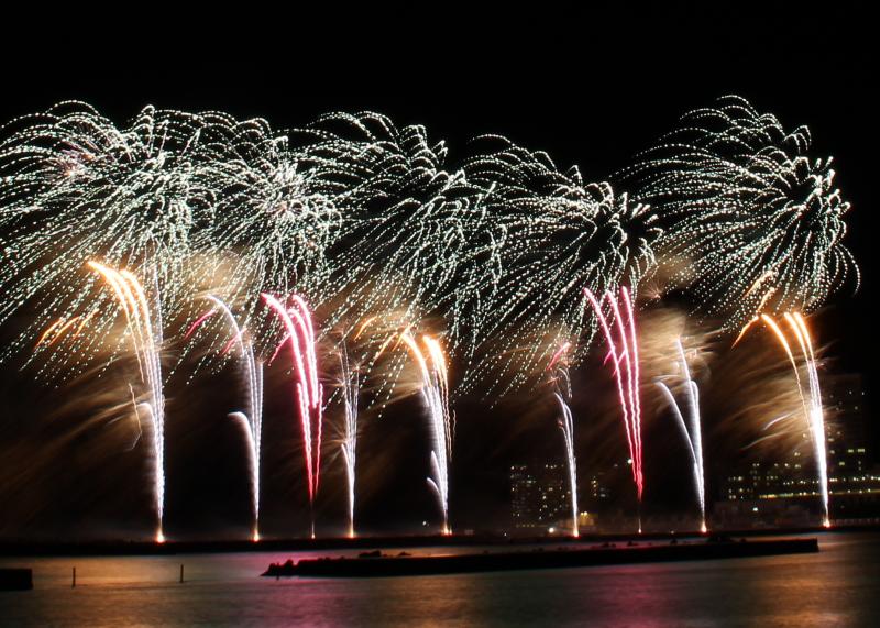12月14日の熱海海上花火大会