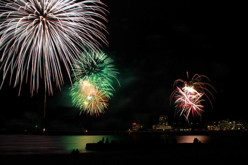12月7日の熱海海上花火大会
