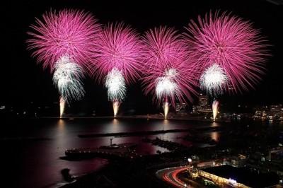 冬の熱海海上花火大会